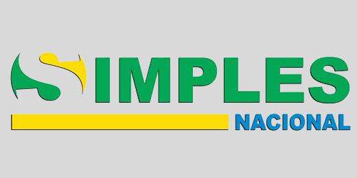 Opção pelo Simples Nacional 2015 e RAIS ano-base 2014  Podem optar pelo Simples Nacional as microempresas (ME) e empresas de pequeno porte (EPP) que não incorram em nenhuma das vedações previstas na Lei Complementar 123, de 2006.  Para as empresas já em atividade, a solicitação de opção poderá ser feita em janeiro/2015, até o último dia útil (30/01/2015). A opção, se deferida (aceita), retroagirá a 01/01/2015. Recomenda-se que a opção seja solicitada no início de janeiro, a fim de que o contribuinte tenha tempo suficiente para regularizar eventuais pendências apresentadas.  Para empresas em início de atividade, o prazo para solicitação de opção é de 30 dias contados do último deferimento de inscrição (municipal ou estadual, caso exigíveis), desde que não tenham decorridos 180 dias da data de abertura constante do CNPJ. Quando deferida, a opção produz efeitos a partir da data da abertura do CNPJ. Após esse prazo, a opção somente será possível no mês de janeiro do ano-calendário seguinte.    RAIS ano-base 2014  O prazo de entrega da declaração da RAIS, ano-base 2014, inicia-se no dia 20 de janeiro de 2015 e termina no dia 20 de março de 2015, conforme Portaria nº 10, de 9 de janeiro de 2015, publicada no Diário Oficial em 12 de janeiro de 2015. Todos os estabelecimentos ou arquivos que possuírem 11 ou mais vinculos empregatícios deverão transmitir a declaração utilizando um certificado digital válido padrão ICP Brasil. A obrigatoriedade também inclui os órgãos da Administração Pública.  Para a transmissão da declaração da RAIS de exercícios anteriores, com empregado, também será obrigatória a utilização de certificado digital, inclusive para os órgãos da Administração Pública. A entrega da declaração é obrigatória e o atraso na entrega está sujeito a multa conforme previsto no ART. 25 da Lei nº 7.998, de 11/01/1990. o MEI - Microempreendedor Individual continua dispensado da apresentação da Rais Negativa.      Solução oferecida - Consultoria fiscal e tributária Solici